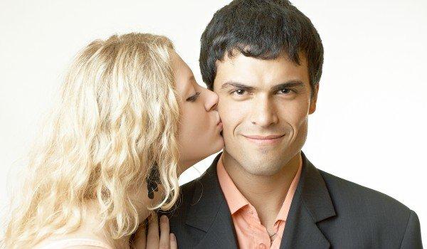 почему мужчина тяжело дышит когда ласкает партнершу