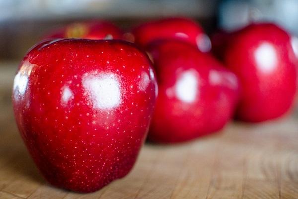 Сонник к чему снятся яблоки красные крупные