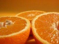 k-chemu-snitsya-apelsin