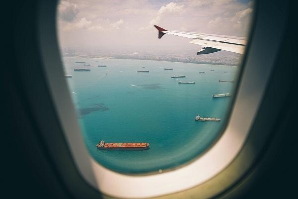 К чему снится лететь на самолете? Полет на самолете во сне.