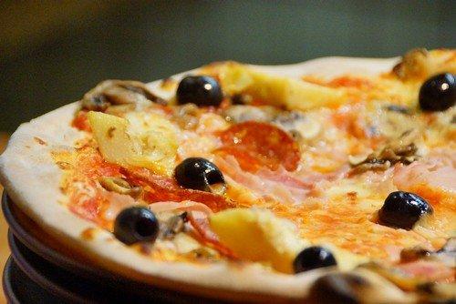 тонкое тесто для пиццы на дрожжах