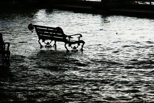 k-chemu-snitsya-potop-navodnenie