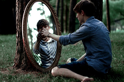 Видеть свое отражение в зеркале во сне
