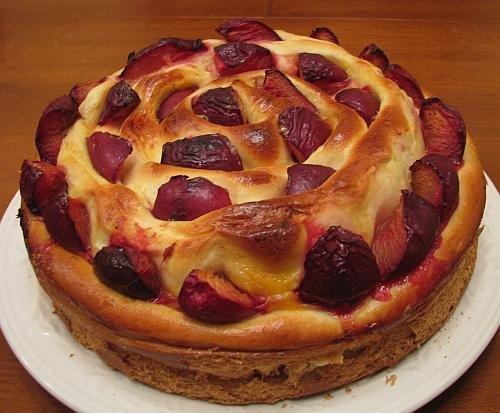 Пирог с ягодами дрожжевой