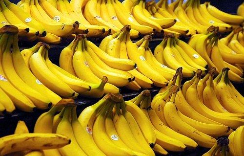 k-chemu-snyatsya-banany-1