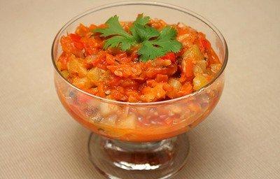 kabachkovaya-ikra-recepty-s-foto-1