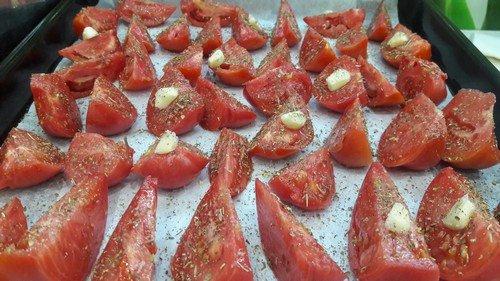 pomidory-zapechennye-v-duxovke-3