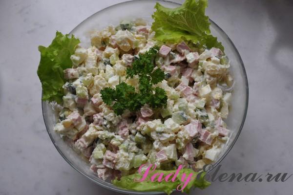 Фото рецепт салата оливье со свежими огурцами