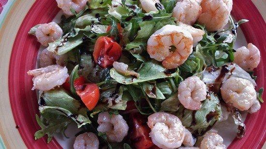 salat-s-rukoloj-1