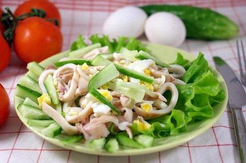 Салат с кальмарами польза