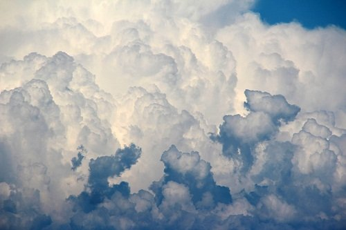 k-chemu-snyatsya-oblaka-1