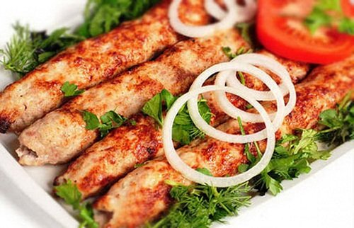 Люля-кебаб сделанный из курицы
