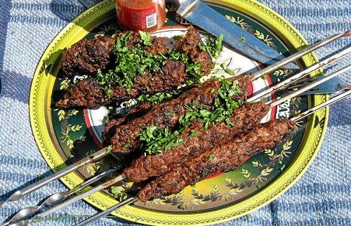 Люля-кебаб на шампурах