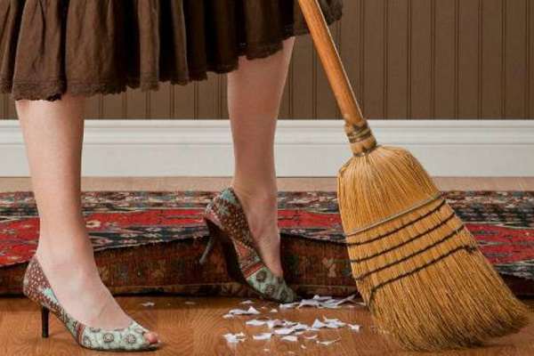 Сонник подметать мусор веником в доме
