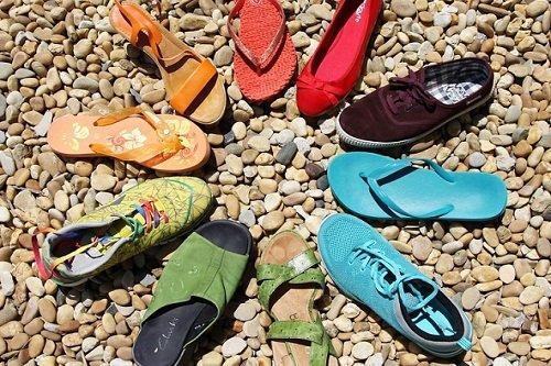 k-chemu-snitsya-mnogo-obuvi