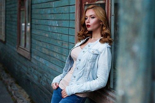 k-chemu-snitsya-ryzhaya-devushka 1