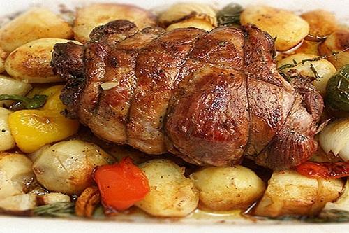 Баранина запеченная с картошкой
