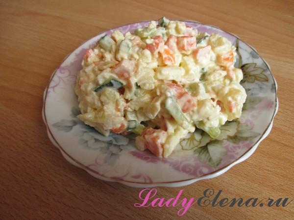Фото рецепт салата с курицей и огурцами