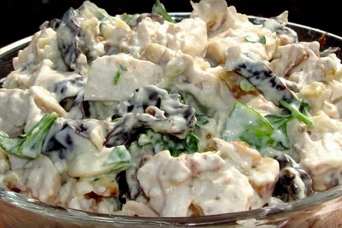 salat-s-kuricej-i-ogurcami 4