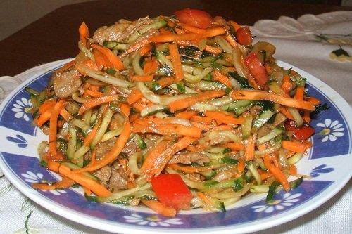 """Рецепт салат """"Купеческий"""" со свининой"""