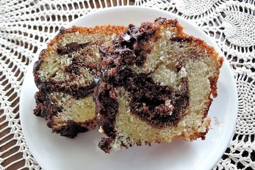 Творожный пирог с начинкой из слив