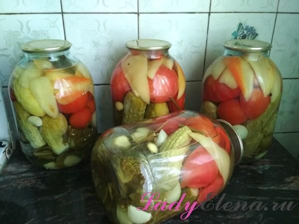 Фото рецепт ассорти из помидоров и овощей