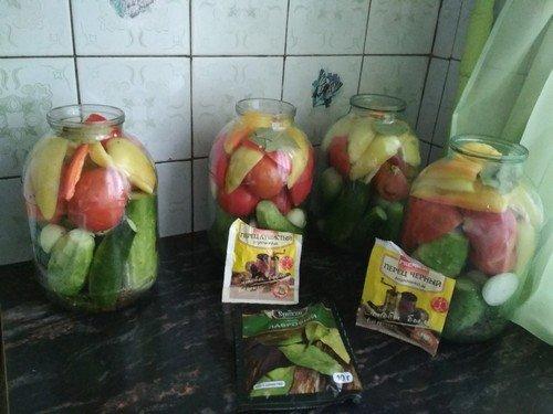assorti-iz-pomidor-i-ogurcov 13