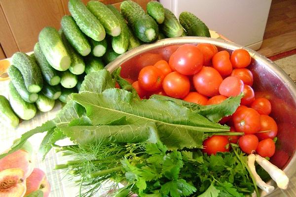 Как закрыть помидоры с огурцами на зиму