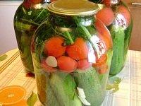 assorti-iz-pomidor-i-ogurcov 3