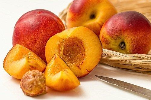 Как из персиков сварить компот на зиму