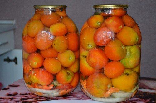 pomidory-na-zimu-v-bankax 17