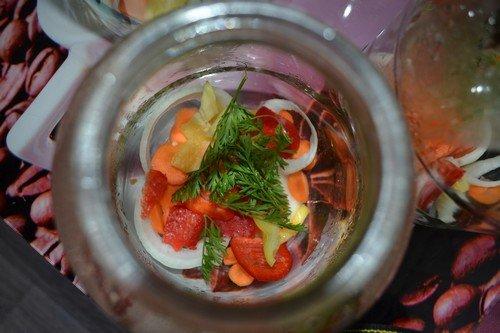 pomidory-na-zimu-v-bankax 4