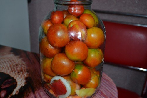 pomidory-na-zimu-v-bankax 6