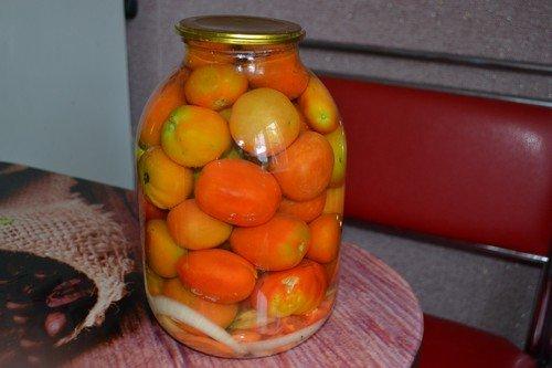 pomidory-na-zimu-v-bankax 8