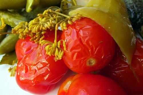 Как сделать бочковые помидоры в банках