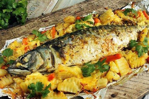 Приготовление рыбы с картошкой в фольге