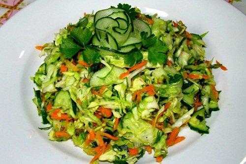 Как сделать из морковки и огурца салат