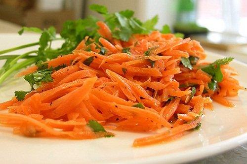 Морковный салат с добавлением уксуса