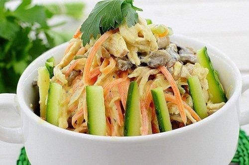 Морковный салат с консервированным тунцом