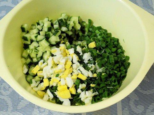 salat-iz-ogurcov-i-yaic 6