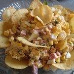 salat-s-chipsami