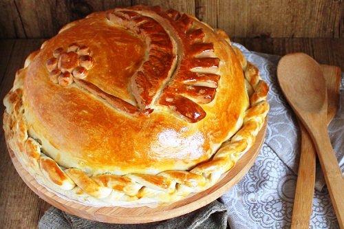 Пышный куриный пирог на дрожжах