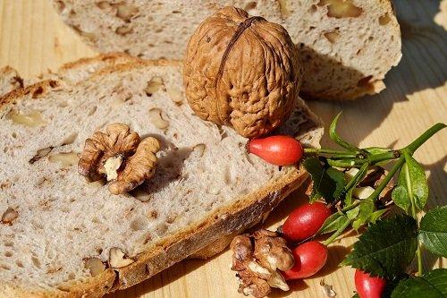 Домашний хлеб с добавлением чеснока