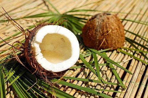 Кокосовое масло для волос: применение, польза, рецепты кокосовых масок