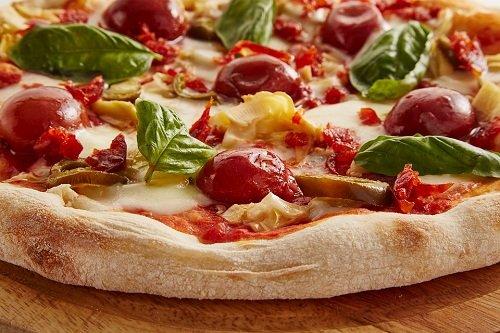 Жидкая пицца, испеченная на сковороде