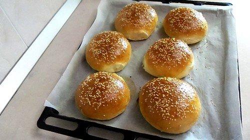 Как сделать булочки с кунжутом для бургеров дома