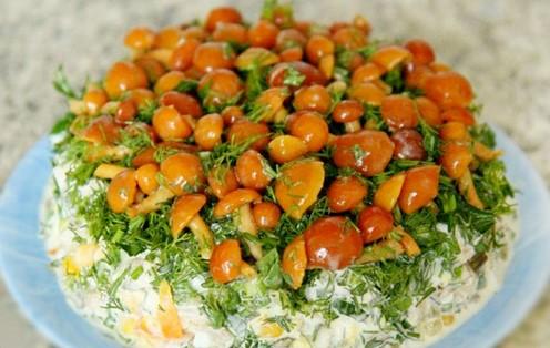 салат из маринованных опят рецепты слоями