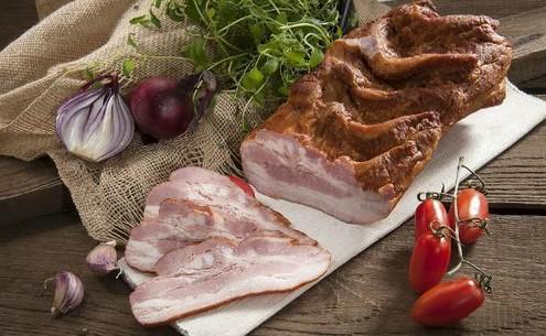 Как засолить свиную грудинку: два разных варианта 99
