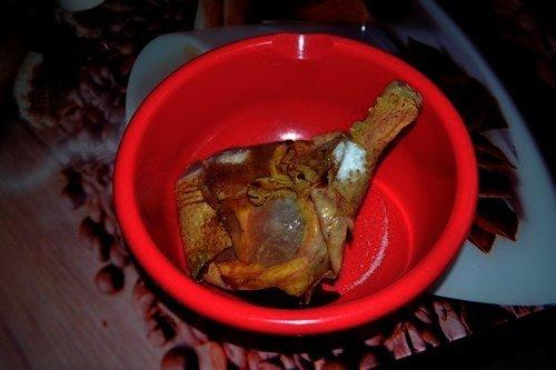 Утиные ножки в фольге в духовке - 8 пошаговых фото в рецепте