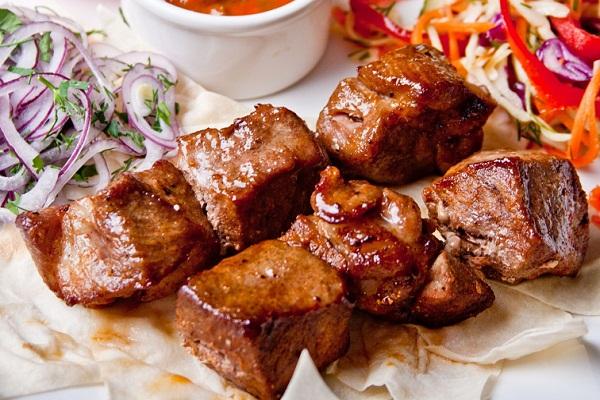 Как замариновать свинину в майонезе
